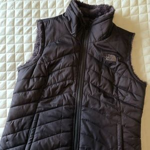 New w/o Mossbud North Face reversible vest